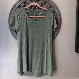 🍬 Sonoma Sage Green active wear shirt size M